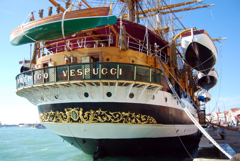 nave-amerigo-vespucci-